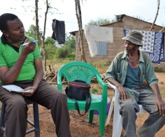 Patrick Maundu interviewing Mr John Kimanzi of Kamaembe, Kitui County (Photo: Kimanzi Ndunda)