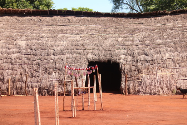 Guarani and Kaiowá Ceremonial House in Guyra Kambi'y (Photo: Jaqueline Gonçalvez Porto)